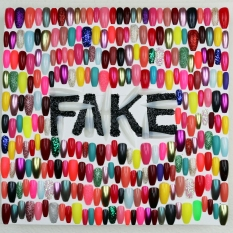 Miss Art World Fake Fake Fingernails and Glitter 12x12x1.5 2019 https://www.missartworld.com/